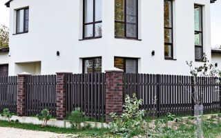 Забор из евроштакетника металлического + фото
