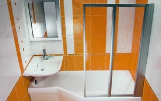 Душевая кабина в интерьере маленькой ванной