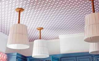Как клеить виниловые обои на потолок, в углах + видео