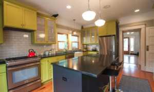 Как на кухне побелить потолок