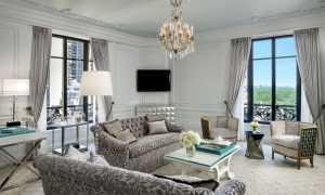 Дизайн гостиной с двумя окнами + фото