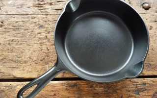 Как отчистить сковороду чугунную от нагара снаружи и внутри в домашних условиях