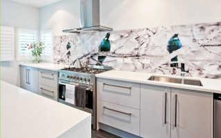 Стеклянный фартук для кухни: стеклопанели закаленные, огнеупорные на стену