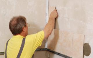 Как клеить плитку на стену: гипсовую, кафельную, схема, раскладка, формирование углов