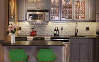 Отделка кухни плиткой и обоями + фото