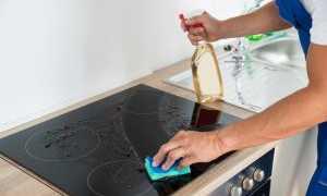 Как мыть индукционную плиту: чем почистить от нагара в домашних условиях