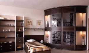 Угловая гардеробная в квартире + фото